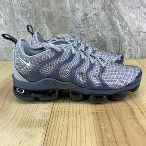 Nike Air Vapormax Plus Size 9.5 Mens Grey White